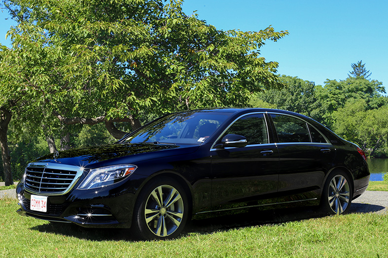 Mercedes S550 Luxury Sedan